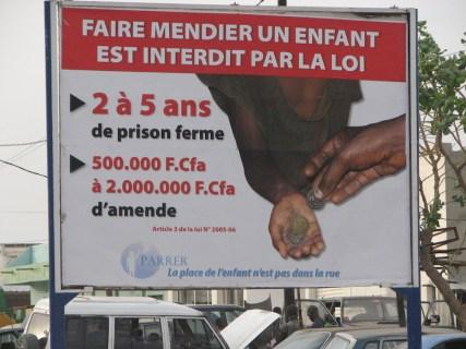 Interdire la mendicité au lieu de s'attaquer à la pauvreté ?...