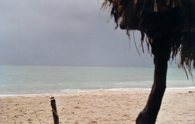 Ciel de pluie sur la plage de Djiffer