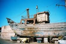 ma2002-09-essaouira-bateau