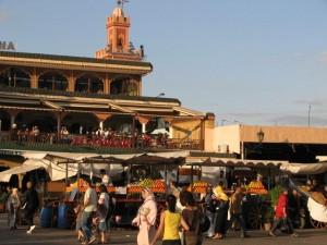 Place Jemaa-el-Fna, du côté du café Argana