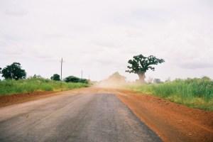 """La """"route"""" de N'Diosmone à M'Bour"""