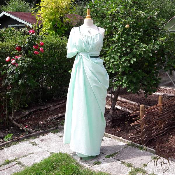 Grecian dress and palla in green