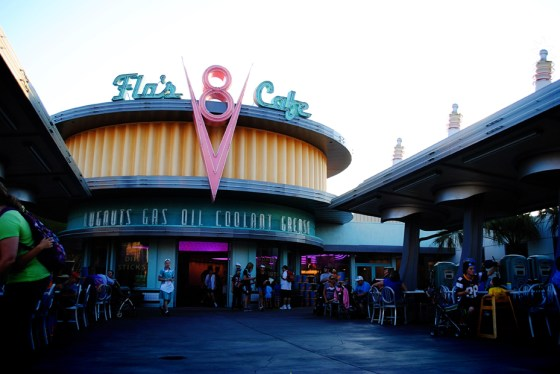 california-adventure-flos-v8-cafe