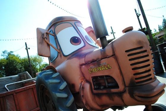 california-adventure-maters-junkyard-jamboree-tractor