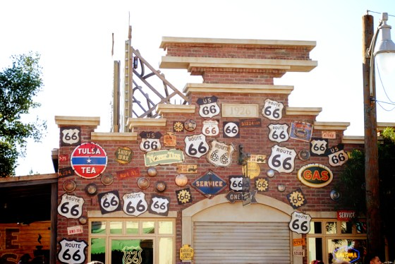 california-adventure-cars-curios