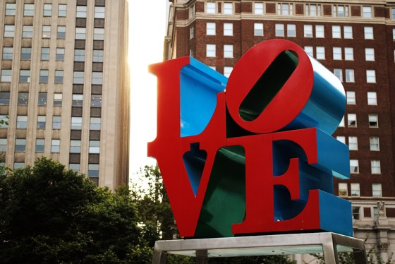 philadelphia-vacation-love-statue_0537_2