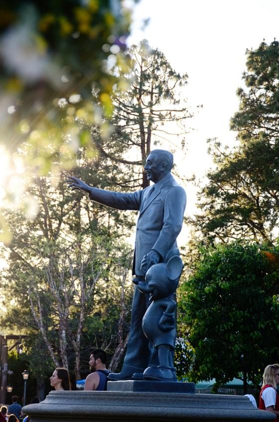 disneyland partners statue 546