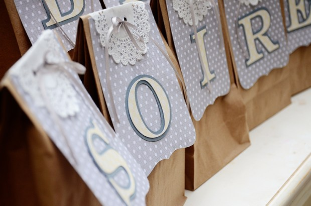 french country baby shower game bebe soiree Guess Whats in the Bag detail 1