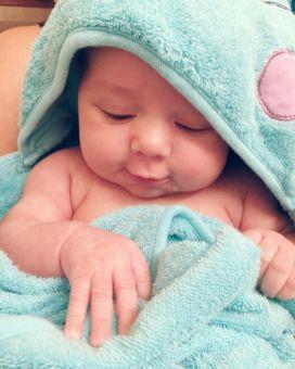 isaiah-4-months-bath-towel-2