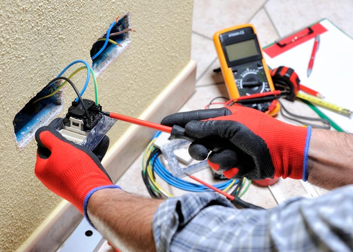 Licensed electricians near me