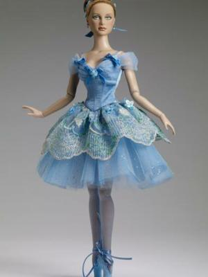 Blue Bell, Outfit