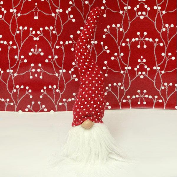 tomte with tall hat