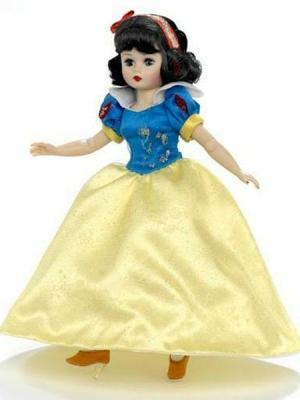 """Snow White 10"""" Doll, Disney Showcase"""