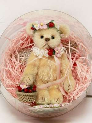 Strawberry Fairy by Yayoi Matsumae