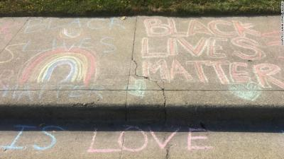 After a White man repeatedly erased girl's 'Black Lives Matter'…