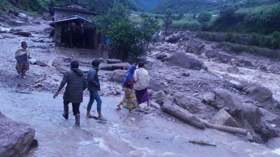 बाग्लुङको भूजिखोला स्थित देउरालीमा पहिरो जाँदा १७ बेपत्ता