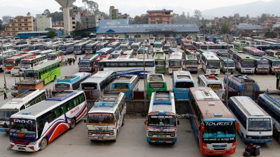 लामो दुरीका सार्वजनिक गाडीमा यात्रा गर्दै हुनुहुन्छ ? यी कुरामा…