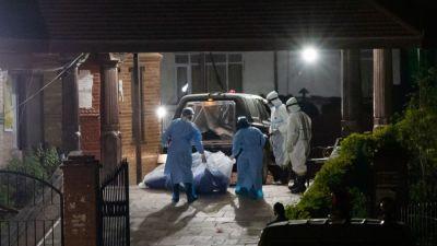 देशभर थप १५ कोरोना संक्रमितको मृत्यु, अस्पतालहरु भरिँदा गम्भीर बिरामीलाई…