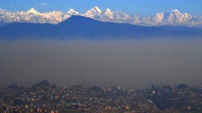 वायु प्रदूषण बढेको हुँदा मर्निङ वाकमा ननिस्किन स्वास्थ्य मन्त्रालयको अपील