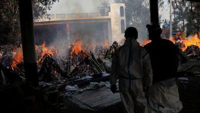 भारतमा दाह संस्कार गर्ने ठाँउ अभाव हुँदा पार्कमै जलाउन थालियो…