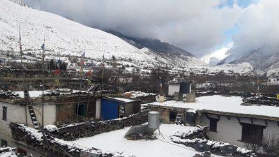 घुन्सा गाउँमा हिमपातले विद्यार्थी प्रभावित
