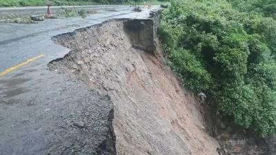 डाइभर्सन बगाउँदा राजमार्ग अवरुद्ध
