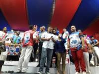 Momentos antes do anúnico do samba campeão