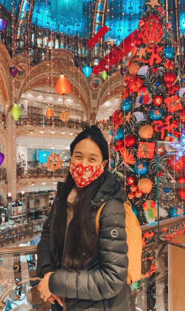 Jocelyn at the Galerie Lafayette Christmas Tree