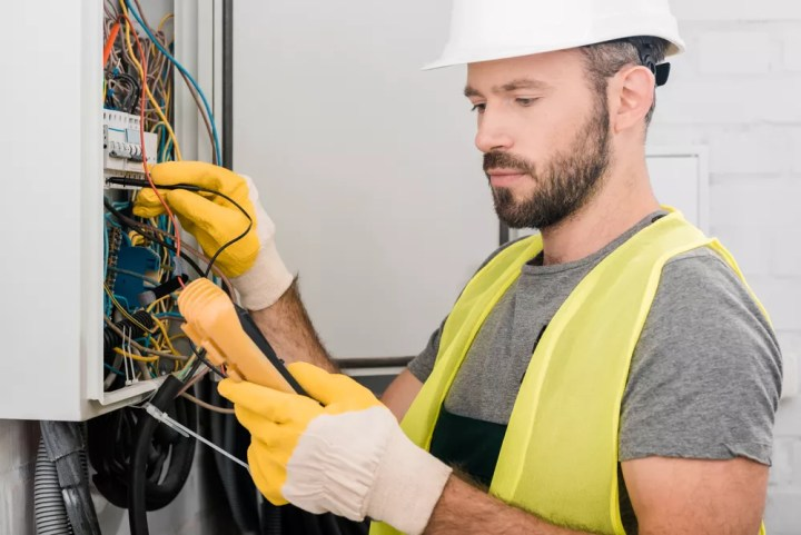 Why Its Important To Hire A Professional Salt Lake City Electrician Sameday Heating Ai