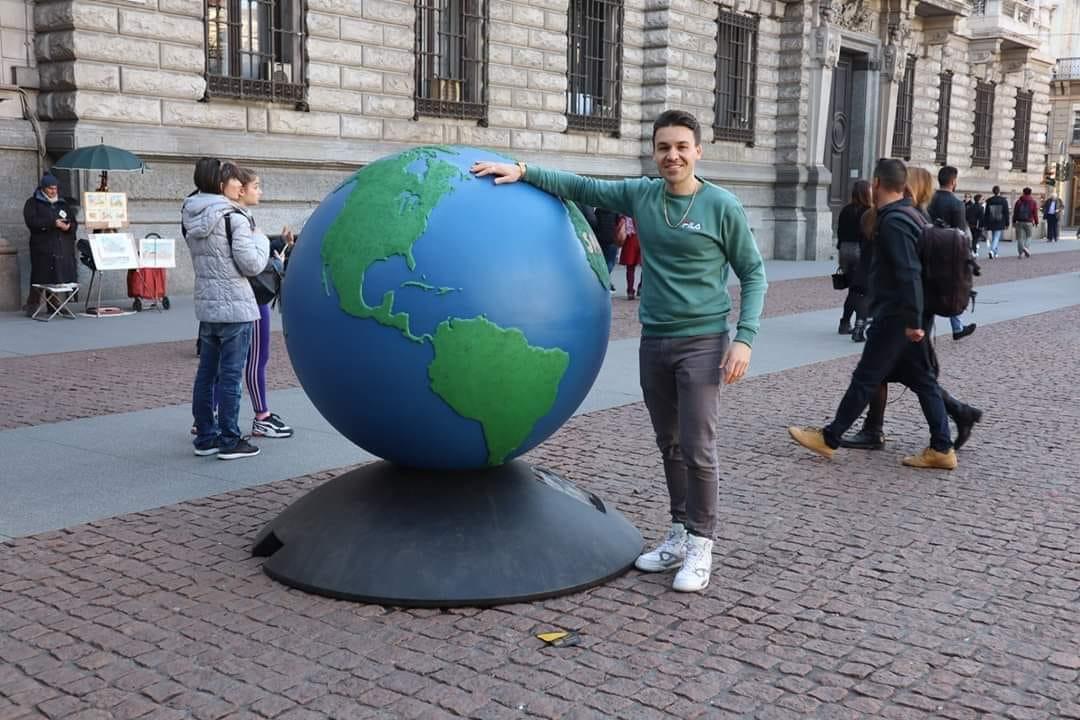 Ali Globe