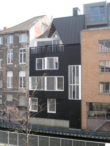 KETELVEST multi-familiar habitat / facade canal