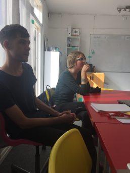 Vi lyssnar till Nils som berättar om utvecklingen i Röstånga