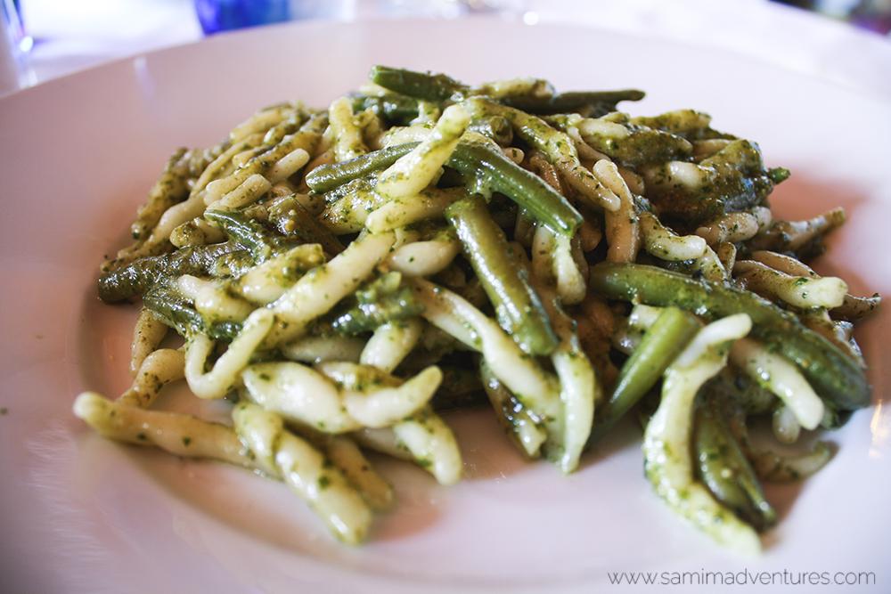 SamiM Adventures Cinque Terra Italy Vernazza salad pasta drinks food