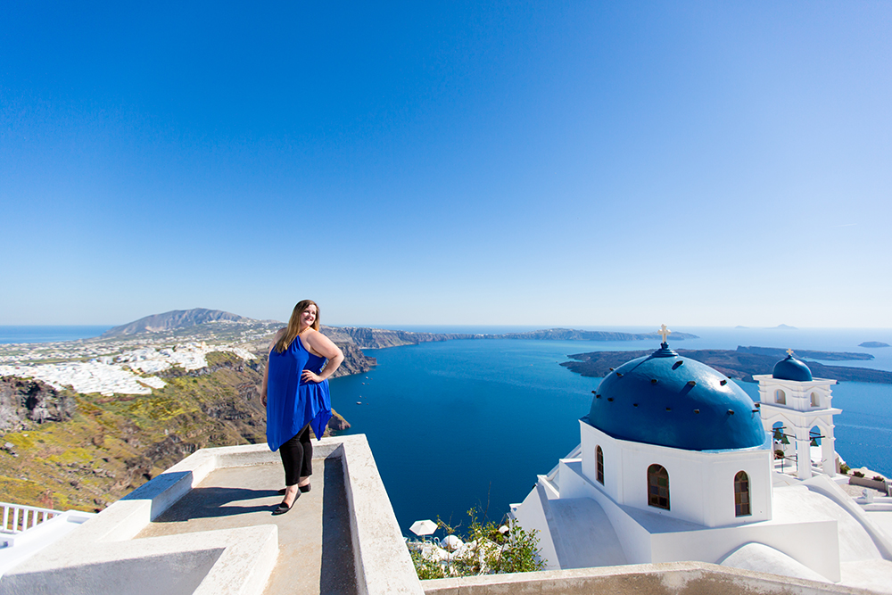 How to spend a Spring Day on the island of Santorini, Greece // Photo Diary