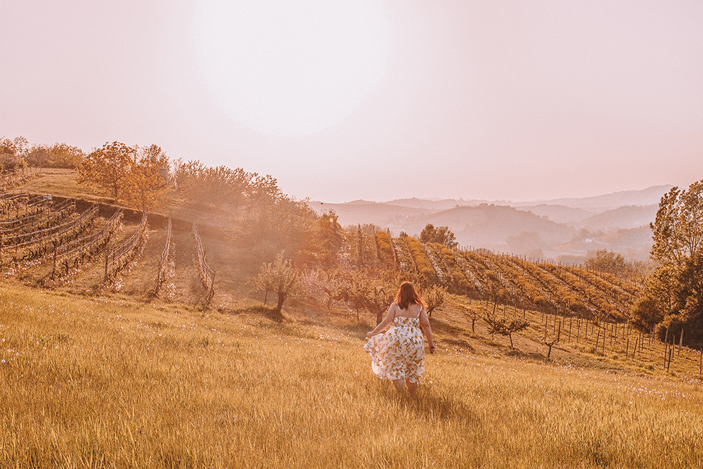 How to get incredible photos of yourself while traveling solo in Montferrat, Italy