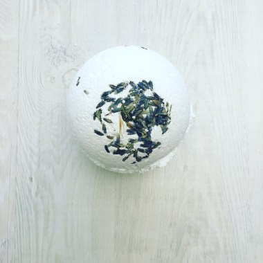 DIY All Natural Lavender Bath Bomb Recipe