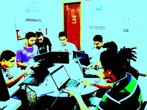 Projeto articula comunicadores comunitários em rede colaborativa