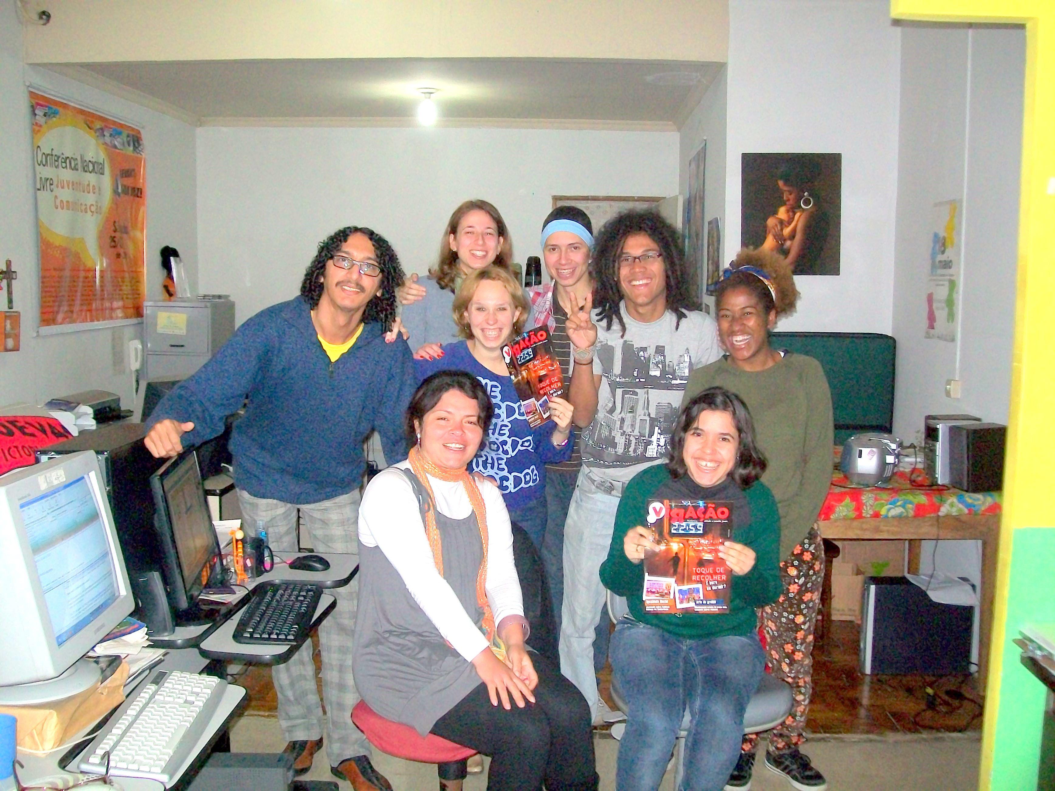 Argonautas  Pontão de Cultura Rede Juvenil faz visita a Revista Viraçâo luz