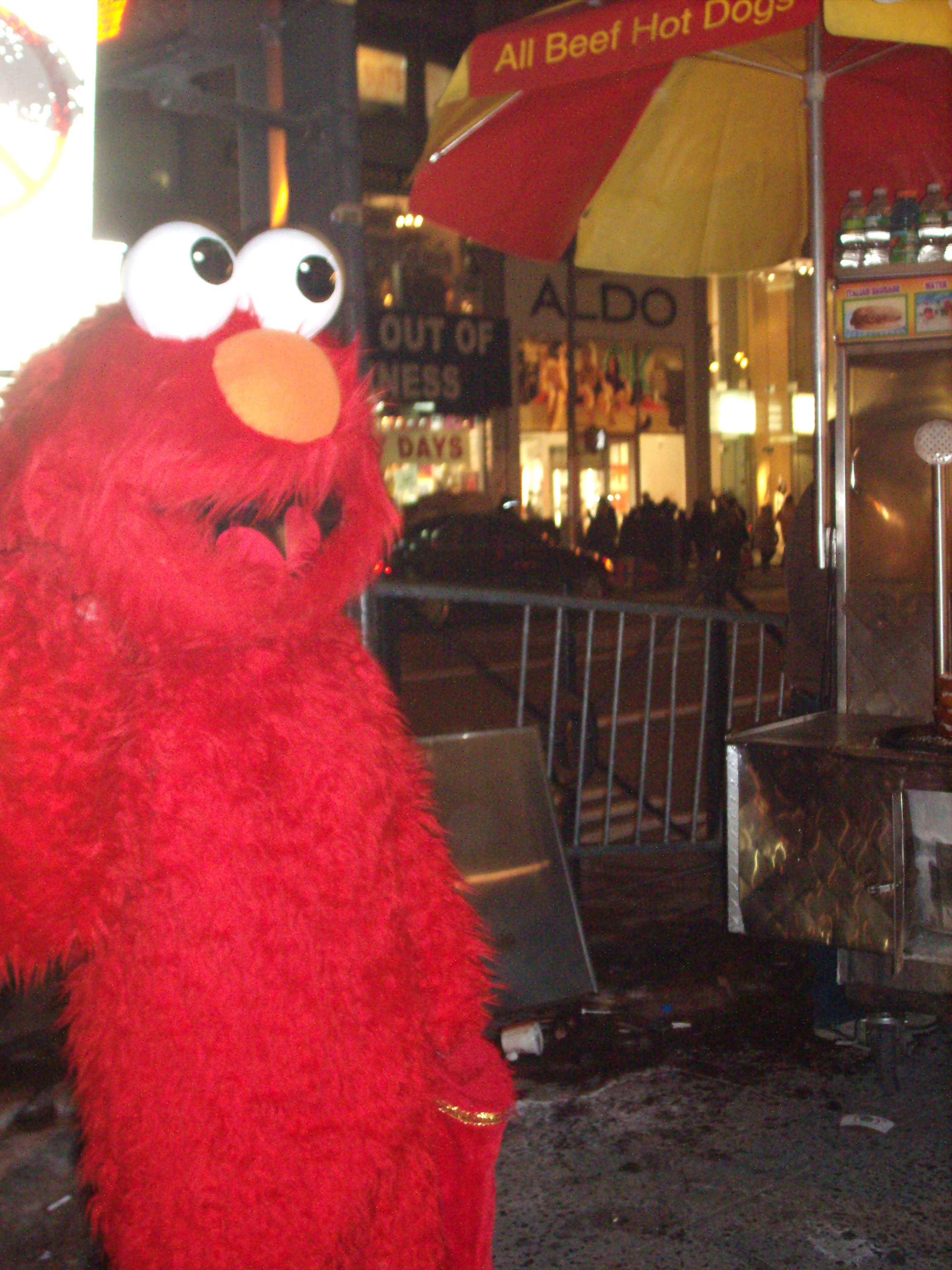 elmo-in-time-square1