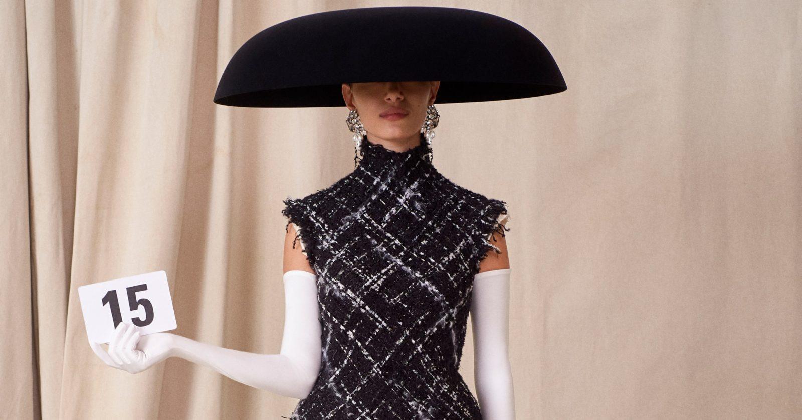 Balenciaga makes striking comeback in haute couture show