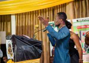 Sammy Kay Beat Nkonkonsah, Ronnie Is Everywhere And Zionfelix To Win Best Blogger Of The Year Award - [Watch Video]. 9