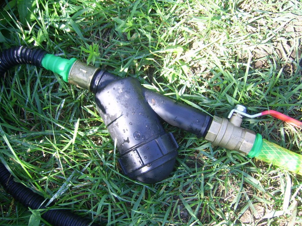 Arrosage Automatique Goutte À Goutte Avec Bouteille Plastique système d'irrigation goutte à goutte à domicile. arrosage