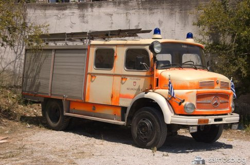 Firetruck on alert. Originally from Neumünster, Germany