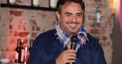 """La risposta di Versace: """"Il gruppo che io rappresento ha un progetto e ha lo scopo di riportare la Sampdoria ai sampdoriani""""."""