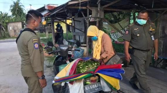 Sempat Alot, Akhirnya Pedagang Pasar Dadakan Angkat Kaki