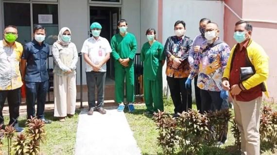 Fraksi Golkar serahkan bantuan untuk tim medis COVID-19 RSUD Murjani