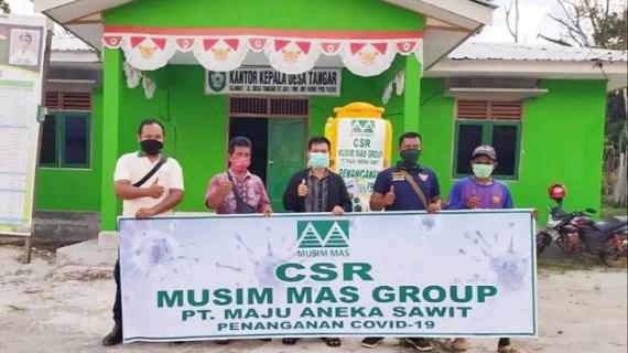 PT Maju Aneka Sawit salurkan ribuan sembako untuk masyarakat