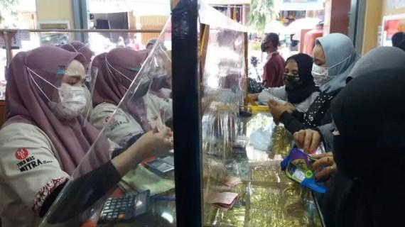 Emas Merangkak Naik Hingga Rp 30.000 Per Gram