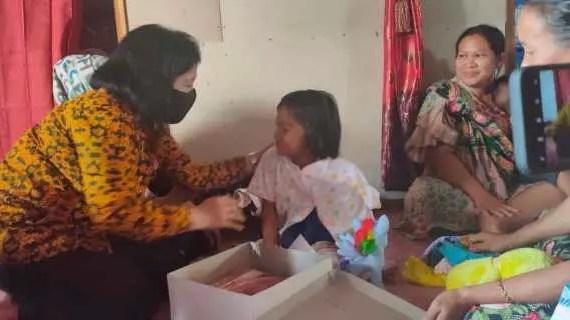 Ketua DPRD Kotim Beri Semangat ke Bocah Korban KDRT