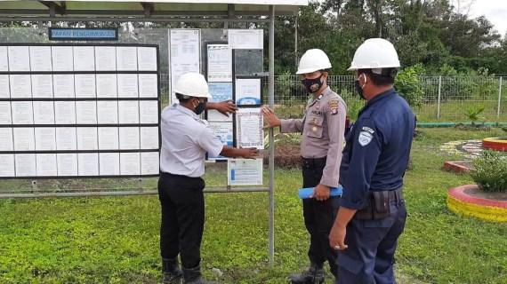 Polsek Sungai Sampit Bagikan Maklumat Kapolri Tentang Kepatuhan Protokol Kesehatan